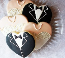 wedding photo -  Gown and Tuxedo Hearts Wedding Cookies | Gelinlik ve Damatlik Sekilli Dugun Kurabiyeleri