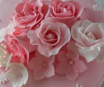 wedding photo - Pink 40Th Birthday Cake- Detail