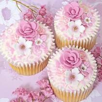 wedding photo - Pink and white wedding cupcakes with flowers
