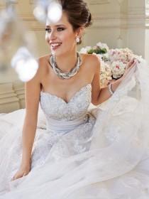wedding photo - 2014 White Chiffon A-Line Fall Winter Sweetheart Sash Court Train Wedding Dress