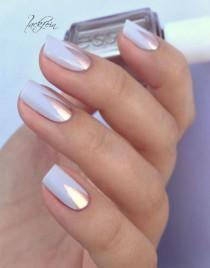 wedding photo - 9 Wedding Nails Perfect For Every Bride