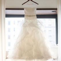 wedding photo - gorgeous Bridal dress