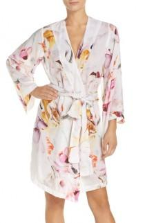 wedding photo - Plum Pretty Sugar Floral Print Kimono Robe