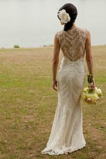 wedding photo -  Claire Pettibone Ivory Lace Mermaid Wedding Gown With Illusion Back | Claire Pettibone Dantel Uzeri Islemeli Balik Etek Gelinlik Modeli