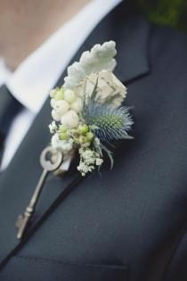 wedding photo - Vintage Boutonniere para el novio