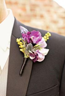wedding photo - Purple Boutonniere para el novio