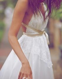 wedding photo - Beautiful Beach Wedding Dress ♥ White Silk and Lace Backless Wedding Dress