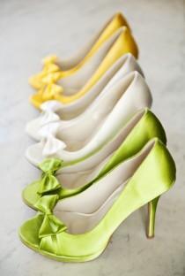 wedding photo - Weddbook ♥ атласные невесты Обувь ♥ Chic и комфортное каблуки Свадебные