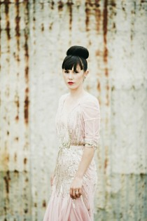 wedding photo -  Chic Wedding Dress ♥ Vintage Wedding Dress