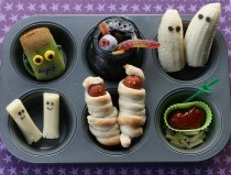 wedding photo - Creative Halloween Food Ideas ♥ Nightmare Before Christmas Appetizers / Treats / Snacks