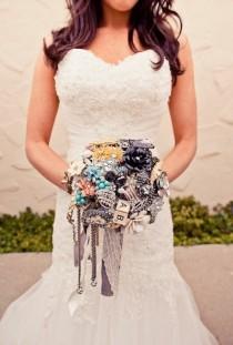 wedding photo - Vintage Wedding Bouquet ♥ Handmade Custom Vintage Brosche Wedding Bouquet