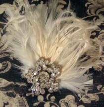 wedding photo - Vintage Feather and Rhinestone Wedding Bridal Hair Comb