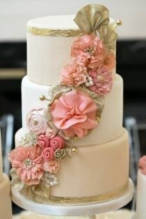 wedding photo - Fondant Wedding Cakes ♥ Wedding Cake Design