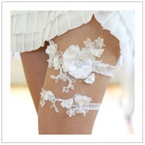 wedding photo - Chic Wedding Garter