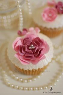 wedding photo - Yummy Unique & Creative Wedding Cupcakes