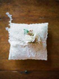 wedding photo - Кружева Подушка обручальное кольцо