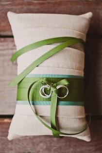 wedding photo - Подушка обручальное кольцо