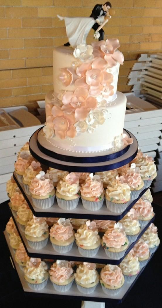 wedding cake and cupcakes together 2 tier wedding cake with and groom 802398 21736